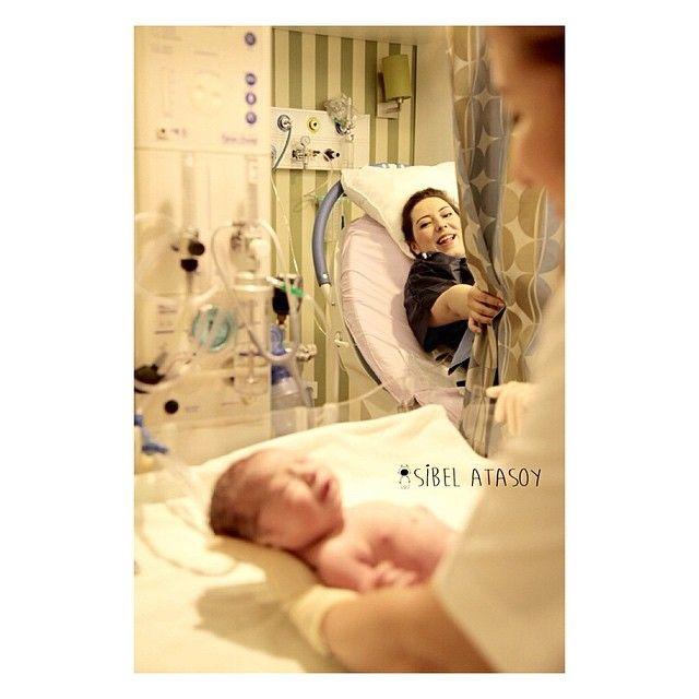 İste o unutulmayacak anlardan biri ❤️ Doğum, aile, bebek, çocuk ve hamile fotoğrafları için sibeldincelatasoy@gmail.com adresinden bilgi alabilirsiniz #sibelatasoy #ilknefes #merhabahayat #melek #igkids #webstagram #photootherday #familyphotos #today #truelove #dogumfoto #hamile #hastane #konsept #bebekfotograflari #bebek #baby #masallah #ilkgulus #cute #angel #love #kids #truelove #newlife #webstagram #cocuk #child #familyphotos #pregnant #itsgirl #newlife #itsboy #private