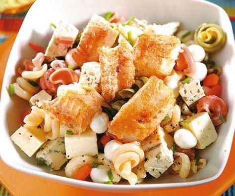 Egy finom Csirkés-joghurtos tésztasaláta ebédre vagy vacsorára? Csirkés-joghurtos tésztasaláta Receptek a Mindmegette.hu Recept gyűjteményében!