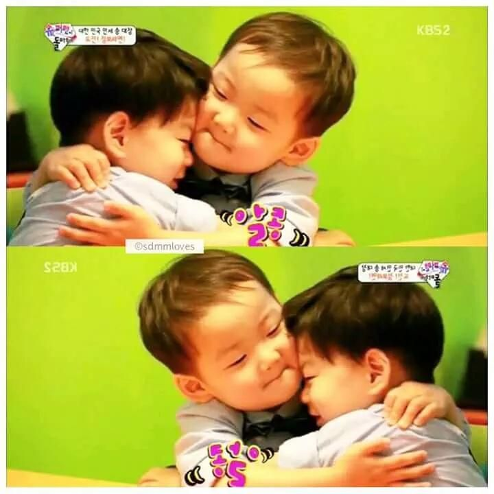 "daehan minguk manse on Twitter: ""Minguk hugging and kissing maknae Manse Remember the psychologist saying Minguk has a motherly love for Manse? Kk~ http://t.co/3vDvoBN5Gc"""