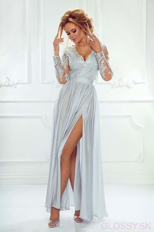 b34803181407 Dlhé večerné šaty s dlhým tylovým rukávom ozdobeným čipkou. Saténová sukňa  je na jednej strane