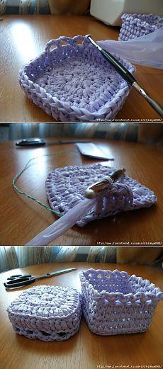 scatole di lavoro a maglia di sacchetti di immondizia.