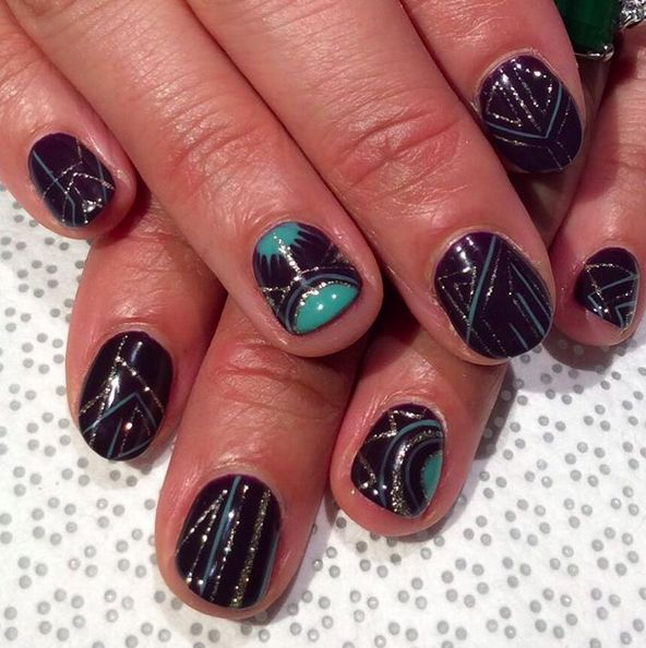 This sparkly art deco look. | 25 Times Nail Art Blew Your Mind In 2015