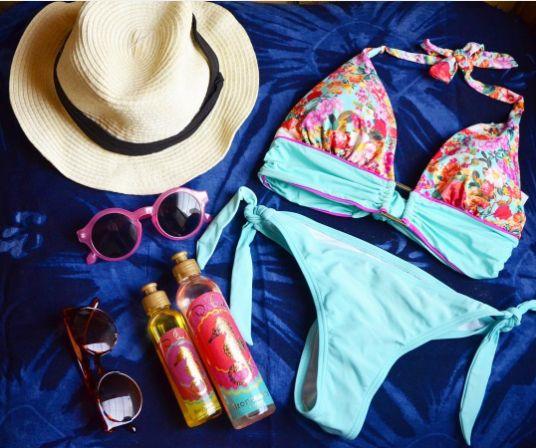 Summer Essentials! ------  Esenciales de Verano! #bikini #bronzer #hat #sunglasses #summertime #summeressentials