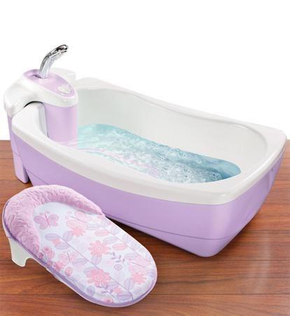 Summer Infant Детская ванна - джакузи с душем Lil' Luxuries сиреневая  — 8650р.  Настоящая SPA-процедура для Вашего малыша в домашних условиях!