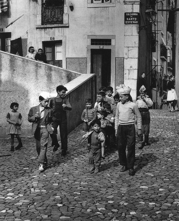 Alfama, 1963 (Eduardo Gageiro)