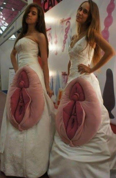 Bilderesultat for funny vaginadress