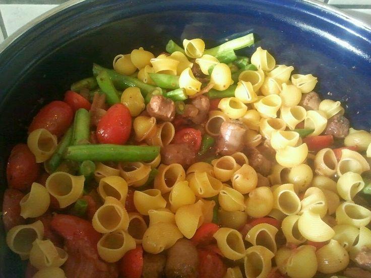 Voor het volgende verjaardagsbuffet kozen we Italiaans eten als thema...   Vorig jaar heb ik dat ook gedaan en maakte ik lasagne...   Nu mo...