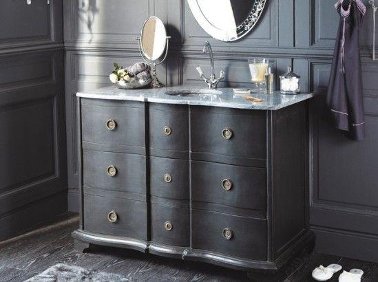 Tendance : un meuble ancien dans la salle de bains - Le Journal de la Maison