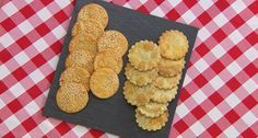 Paul Hollywood poppy seeds and parmesan with sundried tomato savoury biscuits recipe The ingredients for the dough base are: 370g plain flour, 125g unsalted butter, tsp salt, 2 medium eggs and 40ml water.