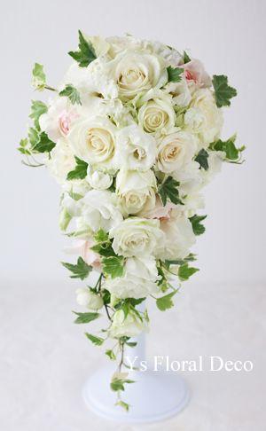 バラとリシアンサスのキャスケードブーケ  ys floral deco  @ヨコハマグランドインターコンチネンタルホテル
