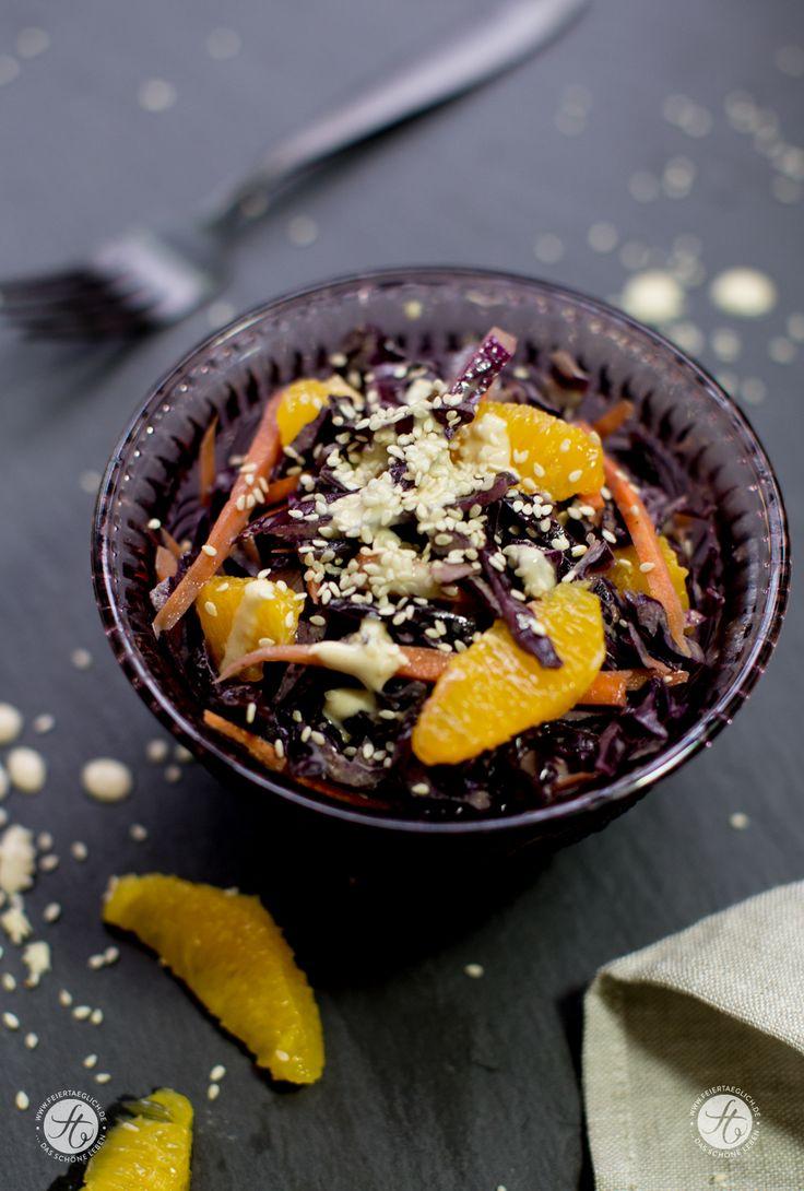 Rotkohlsalat mit Karotten, Orangen und Sesamdressing - Wintersalat , vegan, Rezept von feiertaeglich.de
