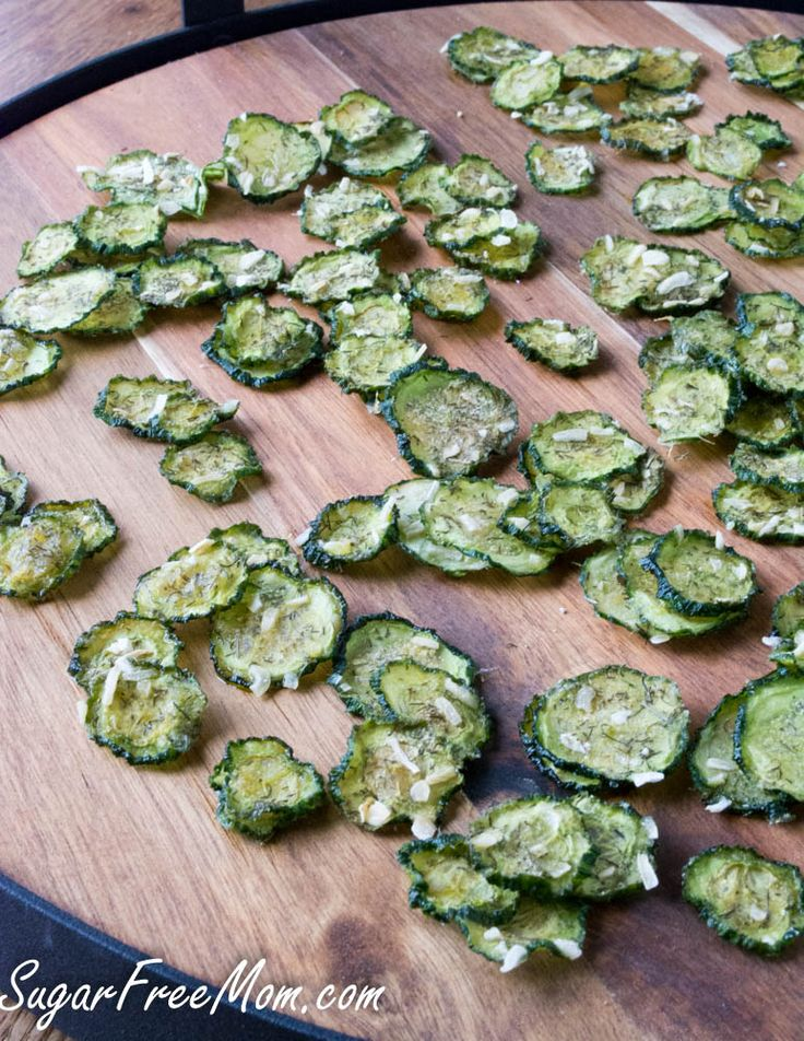 Sour Cream & Onion Cucumber Chips, move over zucchini their a new veggie in town!! #lowcarb #glutenfree