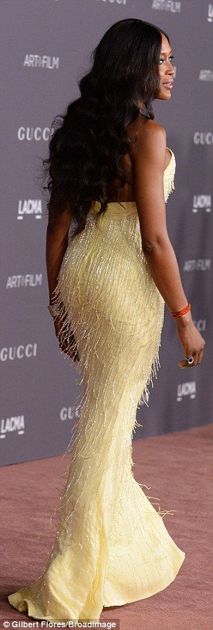 Werk queen! Naomi Campbell was as welcome as the sunshine in her fabulous fringed single-s...
