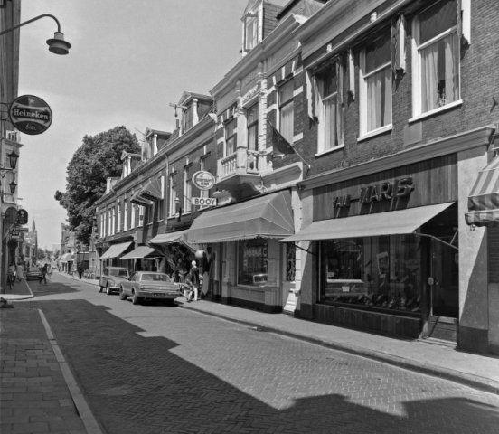 Barrevoetestraat 1973