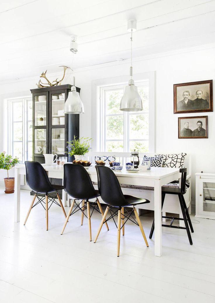 Mustavalkoinenko muka tylsää? 32 modernia (ja silti kodikasta) olohuonetta!   Meillä kotona