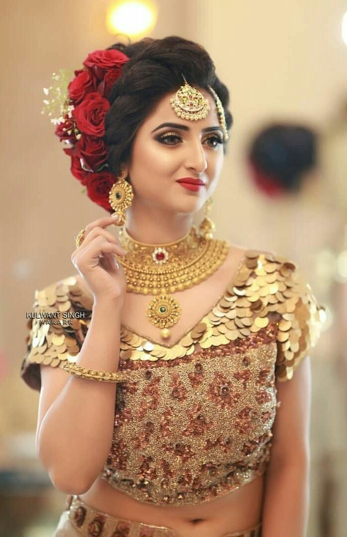 Lovely Girl Picture Bridal Hairstyle Indian Wedding Indian Bridal Hairstyles Bridal Makeup Looks