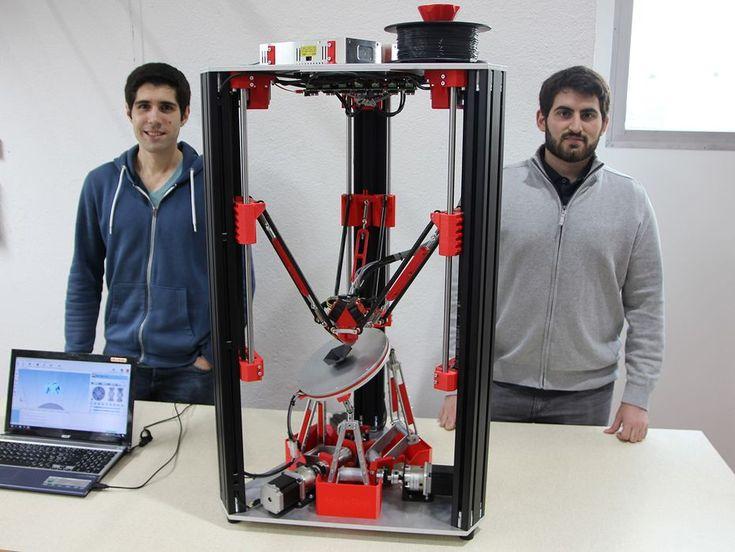 Masterstudenten an der Zürcher Hochschule für Angewandte Wissenschaften (ZHAW) haben ein sechsachsiges 3D-Druckverfahren entwickelt mit dem sich Objekte se