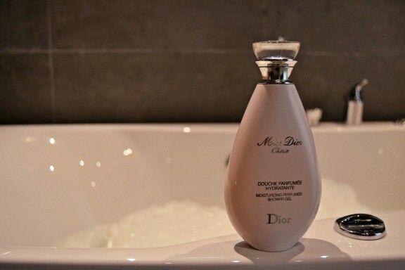 Dior and bubble bath moments-bytiia.blogspot.fi