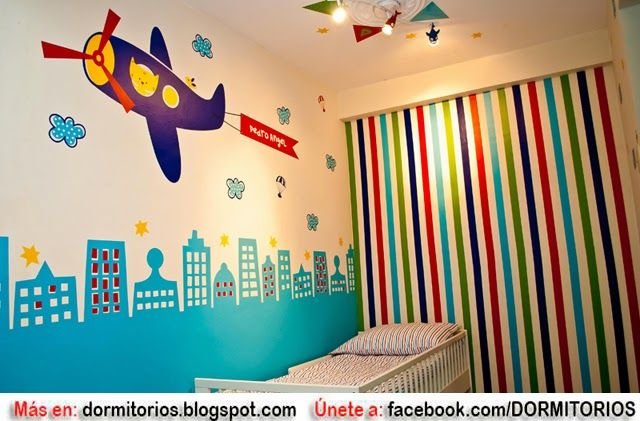 Habitaci n infantil decorado con aviones dormitorios - Decoracion paredes infantil ...