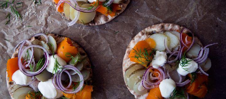Morotslax; vegetarisk & vegansk lax som smakar underbart gott! Perfekt på midsommartårtor, smörgåstårtor eller tillsammans med färslpotatis!