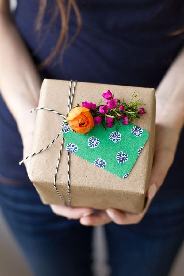 DIY Fresh Flower Gift Tag