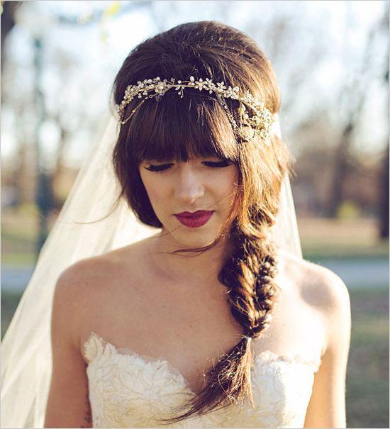 leichte fließende Kleider - leichte lockere Frisuren