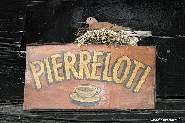 Cafe Pierre Loti.-