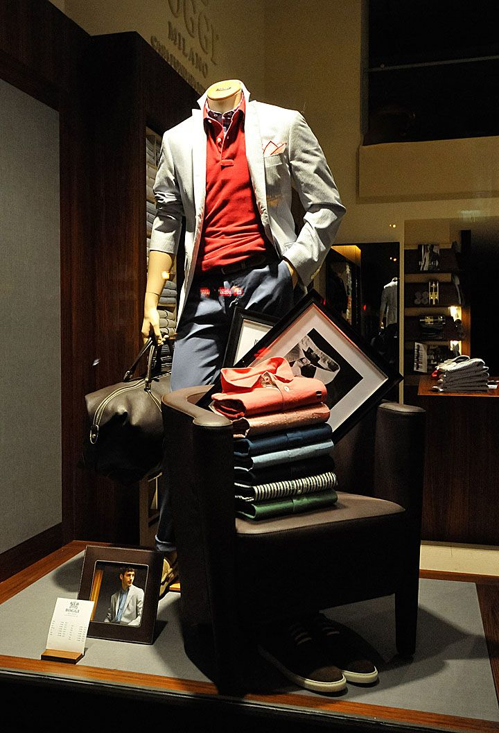 Boggi Milano - Budapest. Visual merchandising. Retail store display. Men's clothing and accessories.