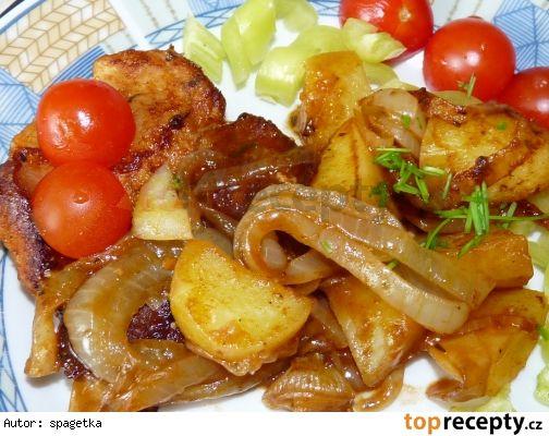Masíčko s cibulí a bramborem v mikrovlnce