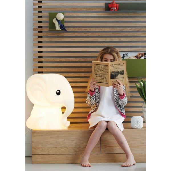 Mr Maria Anana tafellamp. Je kunt deze vrolijk olifant in de kinderkamer, woonkamer of in de hal plaatsen. Op elke plek voelt hij zich thuis! @mrmariadesign #tafellamp #kinderkamer #kids #design #Flinders