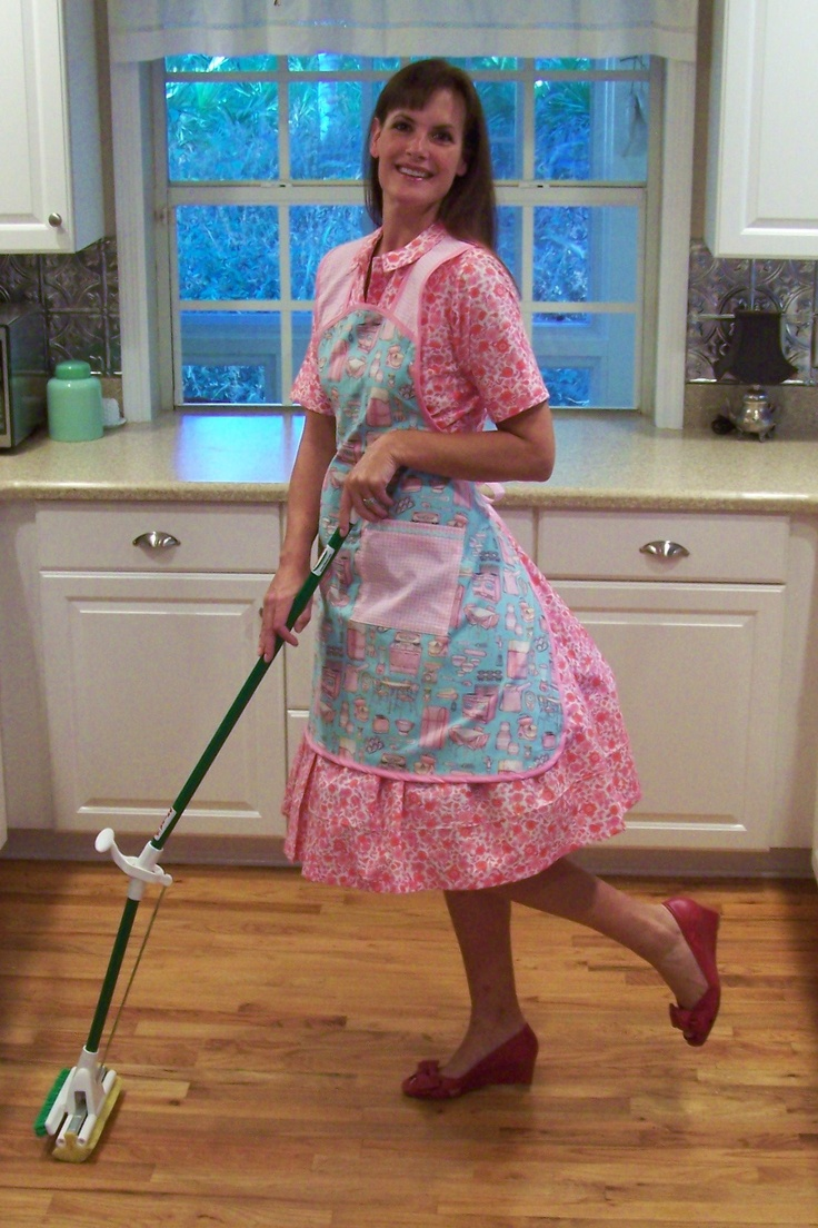 Retro apron. Mopping the kitchen in my