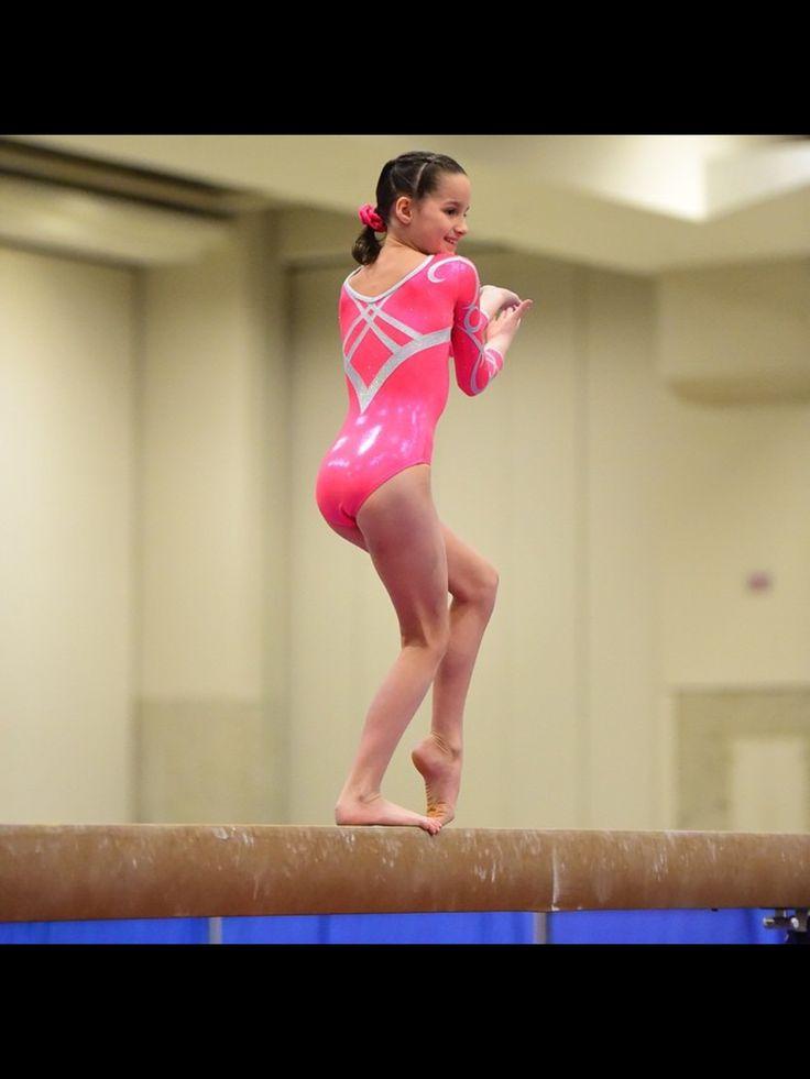 Annie the gymnast! Instagram @presshandstands