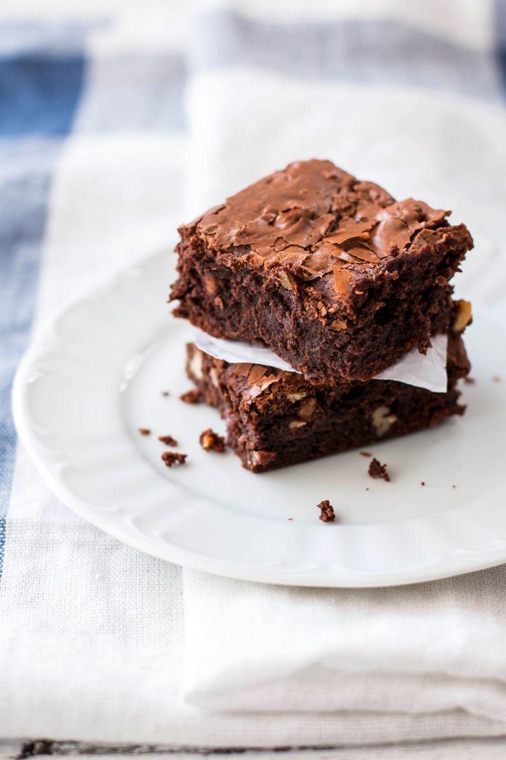 World's Best Brownies   savorynothings.com