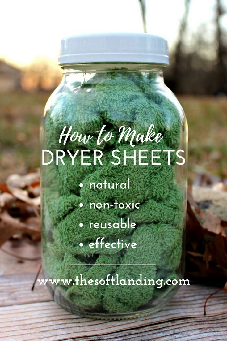 Conventional dryer sheets have a nasty list of negative health effects but these easy non-toxic dryer sheets are the perfect alternative! via @thesoftlanding