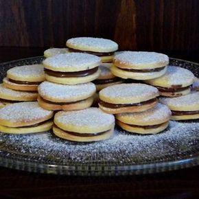 Egy finom Omlós keksz mogyorókrémmel ebédre vagy vacsorára? Omlós keksz mogyorókrémmel Receptek a Mindmegette.hu Recept gyűjteményében!