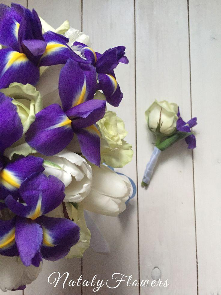 Букет невесты бутоньерка с ирисами