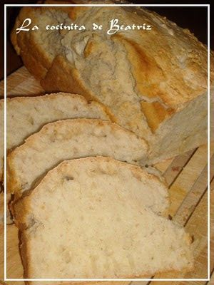 PAN DE CERVEZA (ULTRA RAPIDO) Este pan ha sido todo un decubrimiento!!!!!!!!!! Es super super rapido, necesita pocos ingredientes y no tienes que dejarlo levar!!!! Y sale un pan buenisimo. De miga compacta y esponjosa...tentador donde los haya cuando sale del horno. Te salva una urgencia cuando necesitas pan. Altisimamente recomendable!!!