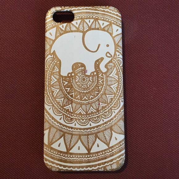 Ivory Ella Elephant Wooden Case Aztec Elephant 5/5s iphone case. Used but good condition Ivory Ella Accessories Phone Cases