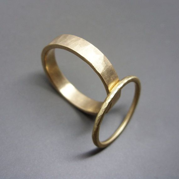 Hammered Gold Wedding Band Set in Solid 14k Yellow or Rose Gold. 1.6mm Round and 4mm Flat Bands, Polished or Matte