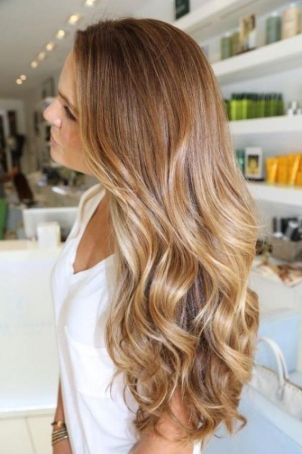 Natrlichen Frisur Wellen Lange Haare Eine Sehr Mit Freine