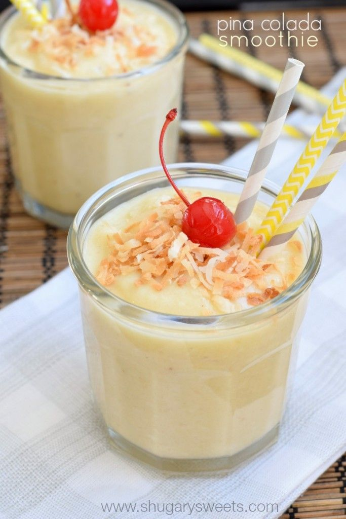Vol met smaak en eiwitten, deze gezonde Pina Colada Smoothies zijn ideaal voor het ontbijt of na de training!