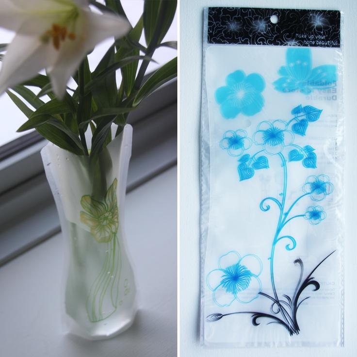 Foldbar vase, Sort/blå blomster, 20,-