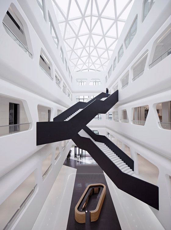 Cidade financeira do porto interior do centro-oeste   – architecture stairs