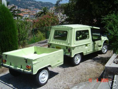 Citroen Mehari with trailer