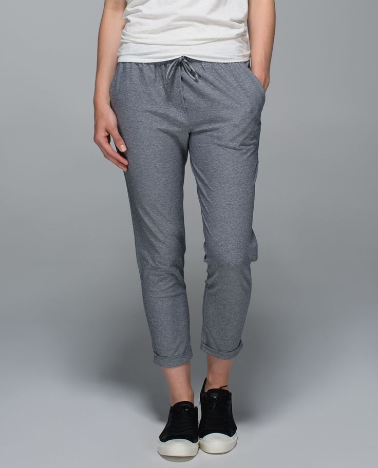 We're on the go from sunrise to sundown—our jam-packed schedule calls for a multi-functional wardrobe. We made these 7/8-length pants with a comfy boyfriend fit and sweat-wicking fabric that  helps us cool down comfortably    post-workout.