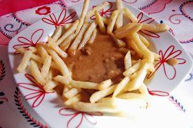 Ingredientes:   80 gr de margarina  1 dente de alho  6 bifes  Sal e pimenta q.b  1 cálice de vinho do Porto  1 chávena de café f...