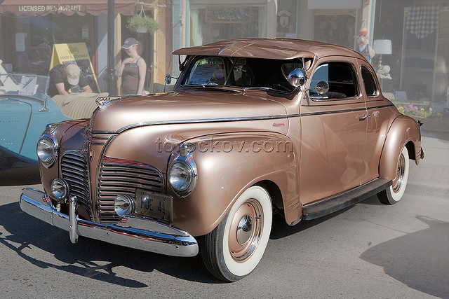 1941 Plymouth ★。☆。JpM ENTERTAINMENT ☆。★。