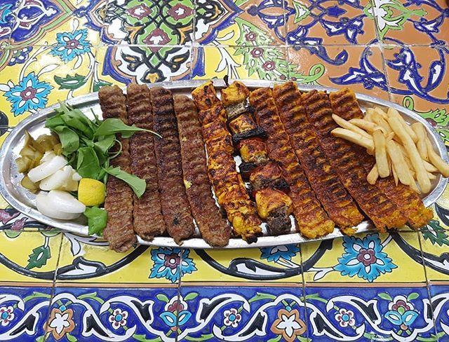 مطعم الحديقه الفارسيه Persian Gardens Restaurant مجمع العالي السیف الطابق 2 قسم المطاعم فطور غذاء العشاء من 8am الی 11pm Food Breakfast Waffles