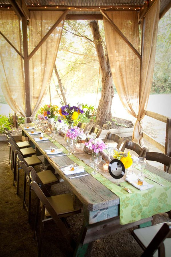 .Ideas, Seats Area, Outdoor Tables Sets, Rustic Tables, Dinner Parties, Burlap Curtains, Back Porches, Outdoor Curtains, Rustic Wedding