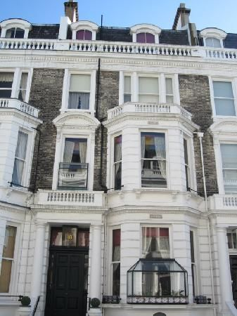 104 best mary poppins images on pinterest victorian for 18 stafford terrace london